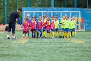 Чему учат в детской футбольной школе во Владивостоке