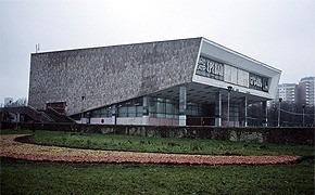 Пустующие кинотеатры Москвы и Питера