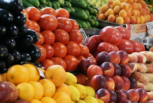 «Мы в октябре умрём с голоду»: Продавщица овощей и фруктов — о том, что происходит на рынках Москвы