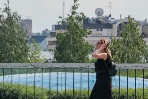 Москва выходит из карантина. Нужно ли носить маски и когда открываются рестораны?