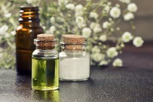 Умываться с гидрофильным маслом