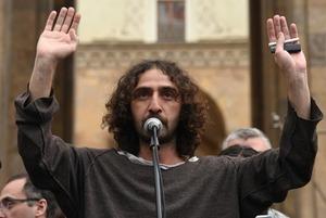 Чем закончился рейв-митинг в Тбилиси и почему так не получится в Москве