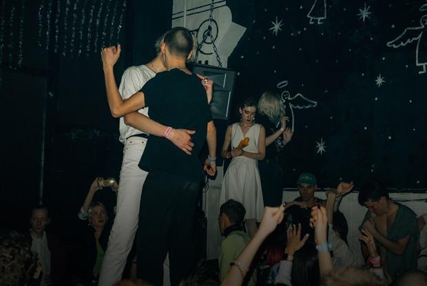 «Модельный» рейв: Как редакция The Village ходила в «Клуб»