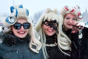 Люди в городе: Посетители концерта Lady Gaga в Москве и Петербурге