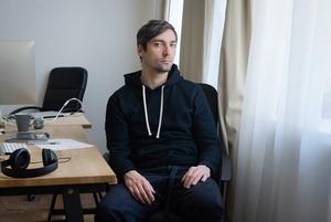 Дизайнер, который сделал почти все модные сайты