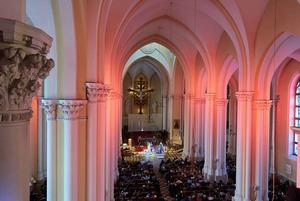 Концерты, ярмарки, охота за яйцами: Как отметить иудейскую и католическую Пасху в Москве