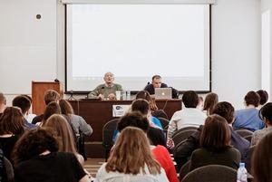 «Шок, шквал мыслей, сомнений»: Кто и зачем поступил в Европейский университет в этом году