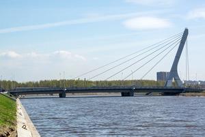 «Лучше бы Малафеева увековечили»: Жители Петербурга — о мосте Ахмата Кадырова