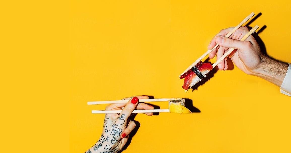 Доставки недели: Суши-бар Jo Wu и бортовое питание от «Уральских авиалиний»