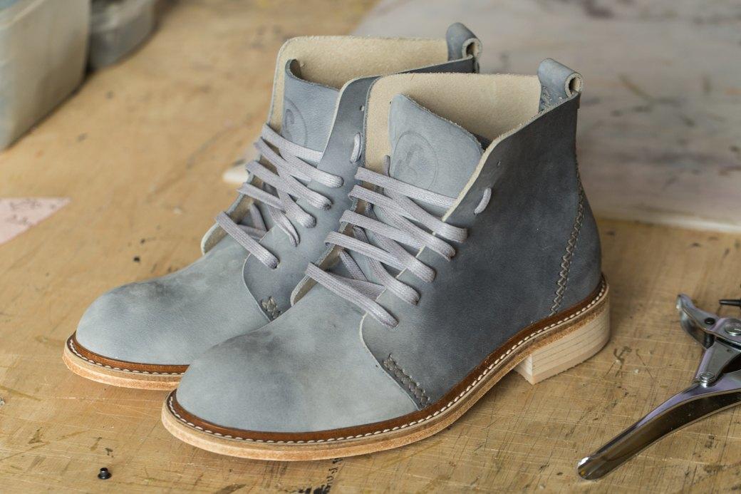 «Пришёл запрос от стилистов Леди Гаги»: Кто икак делает обувь вПетербурге. Изображение № 29.