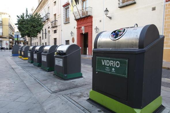 Во «Внуково» установили контейнеры для раздельного сбора мусора. Изображение № 13.
