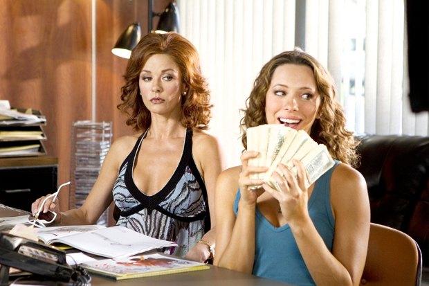 «Фортуна Вегаса», комедия с Брюсом Уиллисом и Кэтрин Зитой-Джонс об авантюристах, зарабатывающих на ставках. Изображение № 6.
