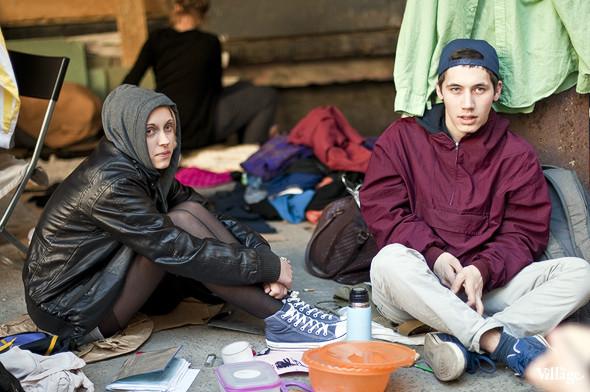 Фоторепортаж: Люди, покупки и опасные отходы на Garage Sale. Изображение № 33.