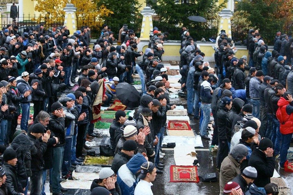 Люди в городе: Как отмечали Курбан-байрам в Москве и Петербурге. Изображение № 9.