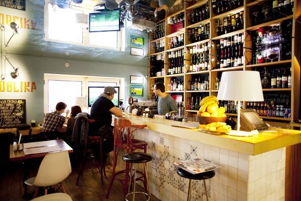После прочтения съесть: 5 кафе при магазинах. Изображение № 13.