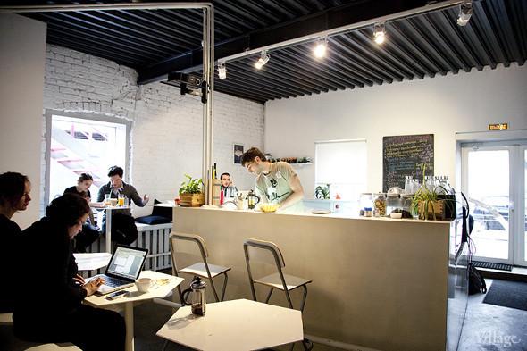 Общая кухня: Кафе-бар Iskra, кафе «Молоко», Genius Bar и Cafe Brocard на «Флаконе». Изображение № 15.