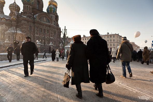 Фоторепортаж: Шествие за честные выборы в Петербурге. Изображение № 39.