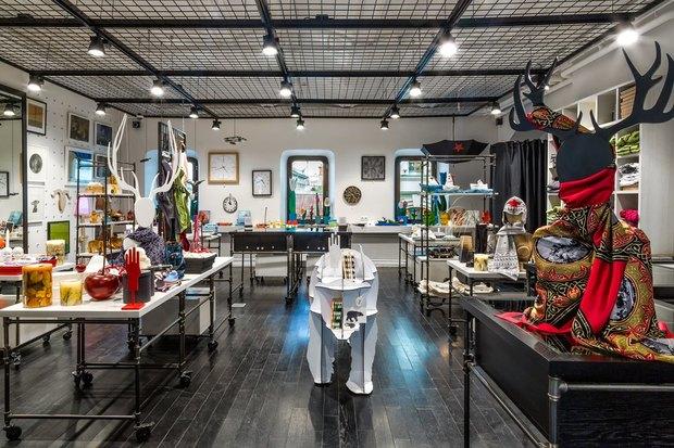 В ГУМе открылся магазин арт-подарков «Шалтай-Болтай». Изображение № 1.