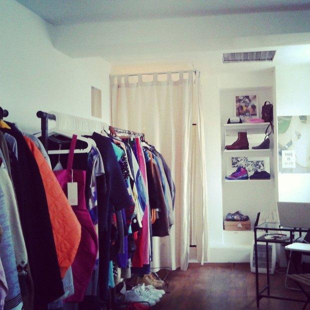 Магазин винтажной одежды Christ's Teeth открылся в «Этажах». Изображение № 2.