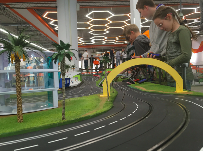В торговом центре «Авиапарк» открылась площадка для игр и соревнований. Изображение № 2.