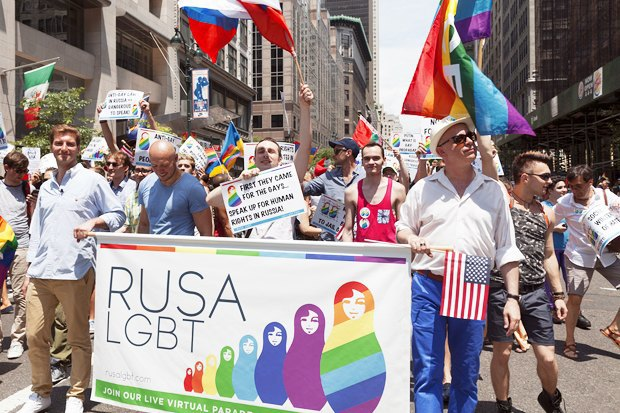 Радужный триколор: Как Nokia, Citi, Coca-Cola, Nike, Ford относятся к ЛГБТ-сотрудникам в России. Изображение № 9.