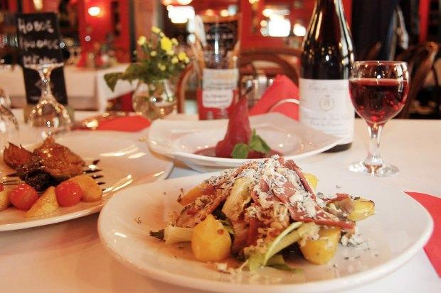 Открытия недели: Винный ресторан Primitivo, грузинское кафе «Дарбази» и «Жан-Жак» в Крылатском. Изображение № 5.