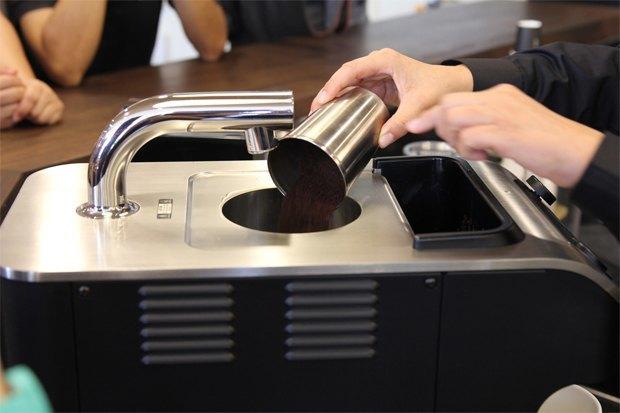 Starbucks использует кофемашины Clover, которые делают кофе с более насыщенным вкусом. Изображение № 3.