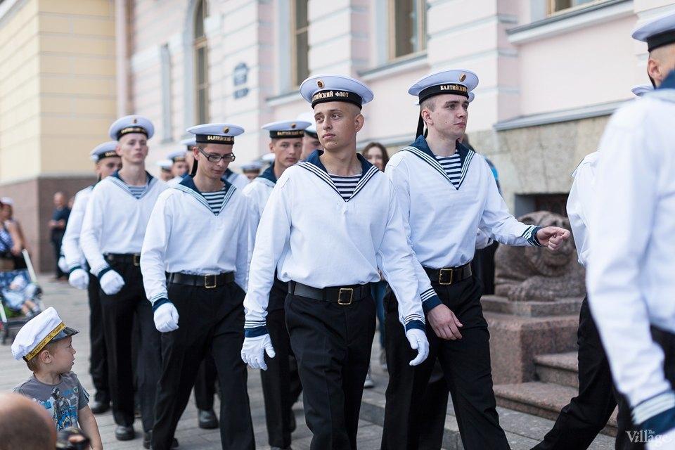 Фоторепортаж: День Военно-Морского флота вПетербурге. Изображение № 7.