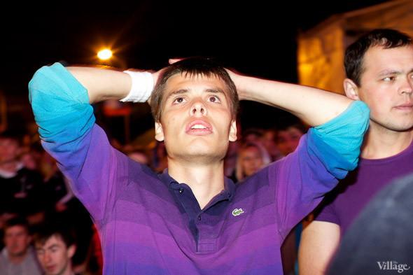Фоторепортаж: Болельщики в фан-зоне парка Горького. Изображение № 16.
