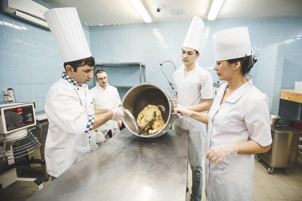 Производственный процесс: Как готовят кошерный хлеб. Изображение № 15.