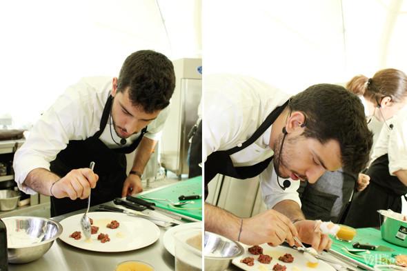 Omnivore Food Festival: Майкл Гринвольд и Симоне Тондо готовят орзотто из ячменя и тартар из голубя. Изображение № 15.