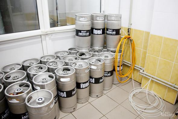 Репортаж: Как варят пиво в частной московской пивоварне. Изображение № 38.