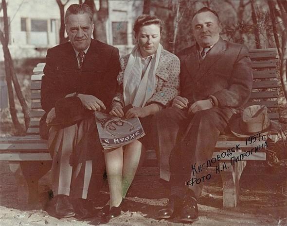 Николай Пилюгин, Нина Королева и Сергей Королев, 1957 г.. Изображение № 8.