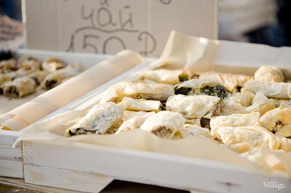 Еда на Пикнике «Афиши»: сэндвичи Foodster, пироги «Это моя булочка» и бургеры от «Даров природы». Изображение № 26.