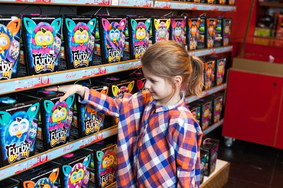 Эксперимент: Что купят на 5000 рублей дети и взрослые в самом большом детском магазине. Изображение № 7.