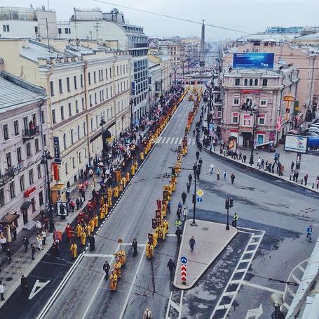 Крестный ход поНевскому проспекту. Изображение № 3.