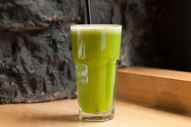 Ягодный, фруктово-овощной, ореховый исзеленью испециями — 5 смузи изFresh. Изображение № 4.