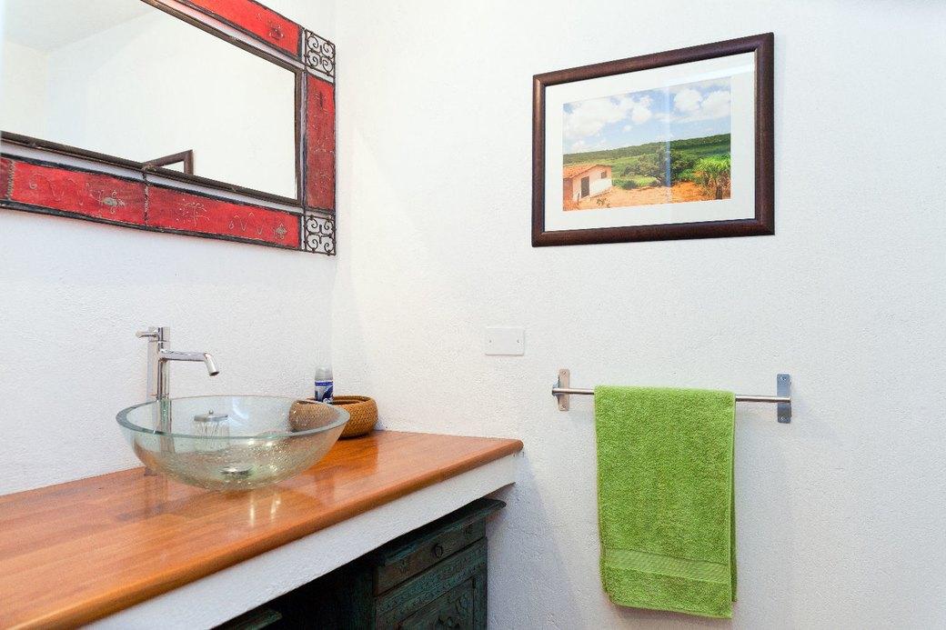 Двухуровневая квартира фотомодели в Милане. Изображение № 16.