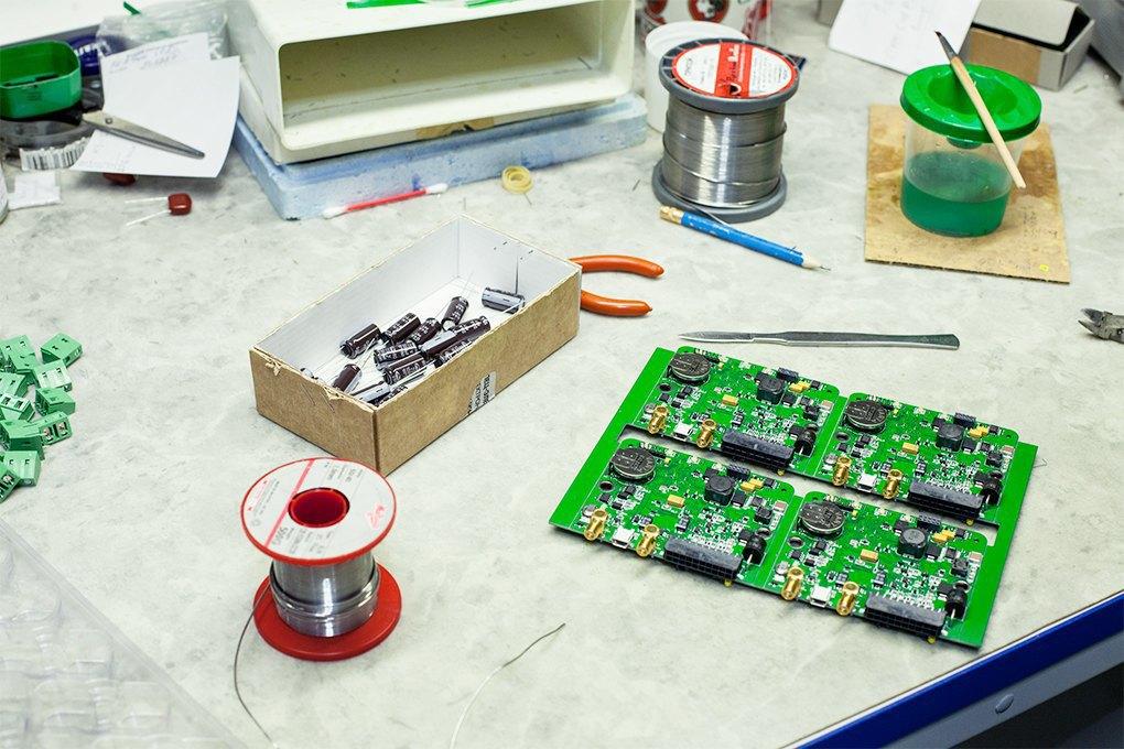Производственный процесс: Как делают платы для электроники. Изображение № 15.