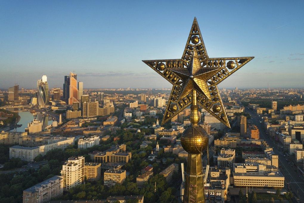 Звёзды сталинских высоток, которые выникогда невидели. Изображение № 1.