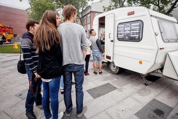 Как приготовить чёрные бургеры во Владивостоке . Изображение № 5.