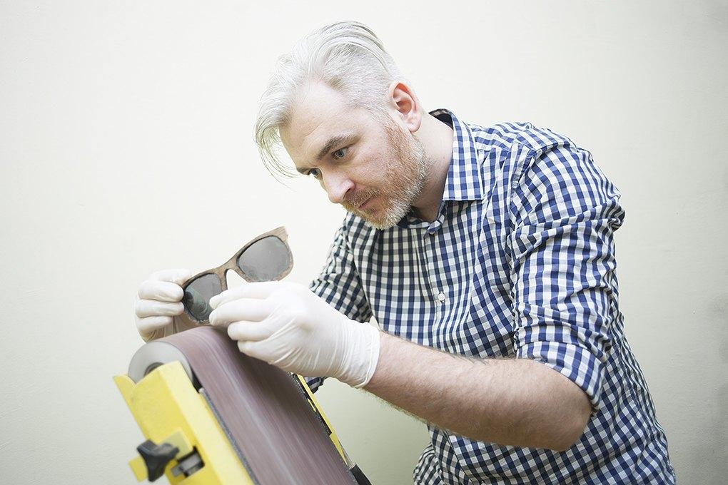 Деревянное и стеклянное: Почему солнечные очки Woodeez продаются даже зимой. Изображение № 4.