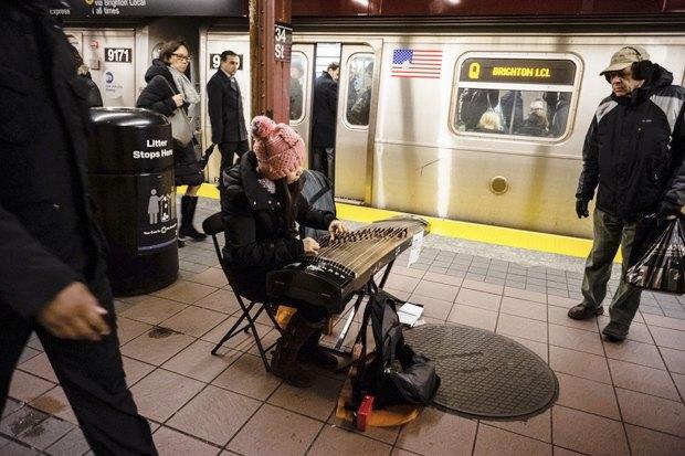 Какая музыка звучит  в метро Пекина, Нью-Йорка, Брюсселя. Изображение № 7.