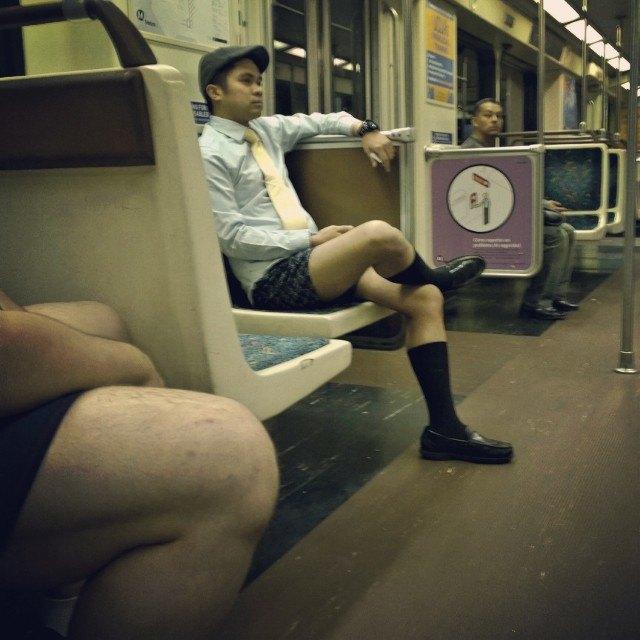 Флешмоб «В метро без штанов» в снимках Instagram. Изображение № 27.