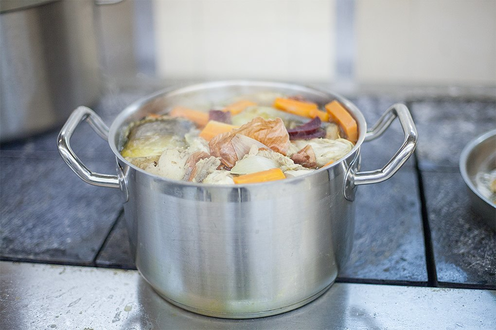 Производственный процесс: Как готовят кошерные обеды для авиапассажиров. Изображение № 6.