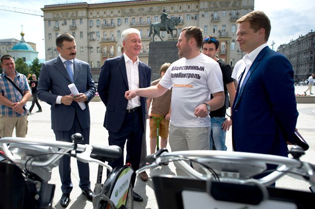 Сергей Собянин осматривает обновлённый московский велопрокат. Изображение № 2.