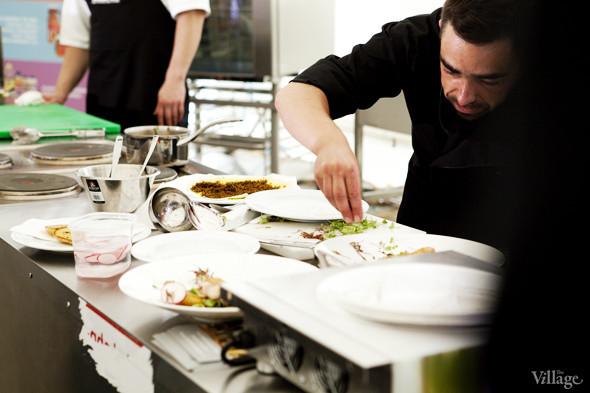 Omnivore Food Festival: Андрей Рывкин готовит карри из петуха на монастырском квасе. Изображение № 36.