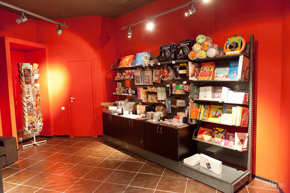 В Петербурге открылся магазин Артемия Лебедева. Изображение № 7.