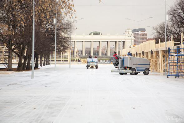 В парке Горького залили каток. Изображение № 14.