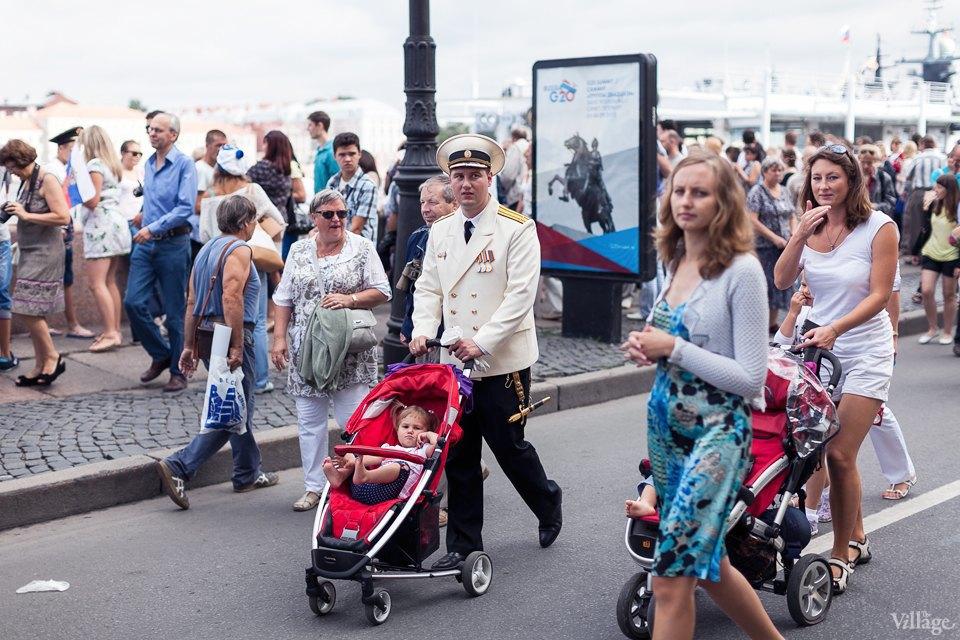 Фоторепортаж: День Военно-Морского флота вПетербурге. Изображение № 8.